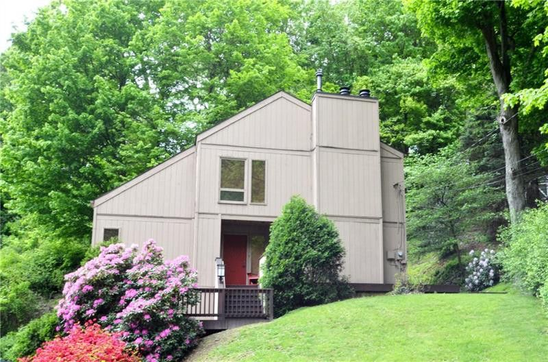 213 Hillendale Rd Pittsburgh, PA 15237