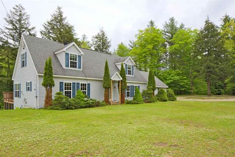 Photo of 38 Melrose Ln, Ludlow, VT 05149