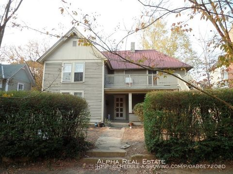 Photo of 55 Starnes Ave Apt 3, Asheville, NC 28801