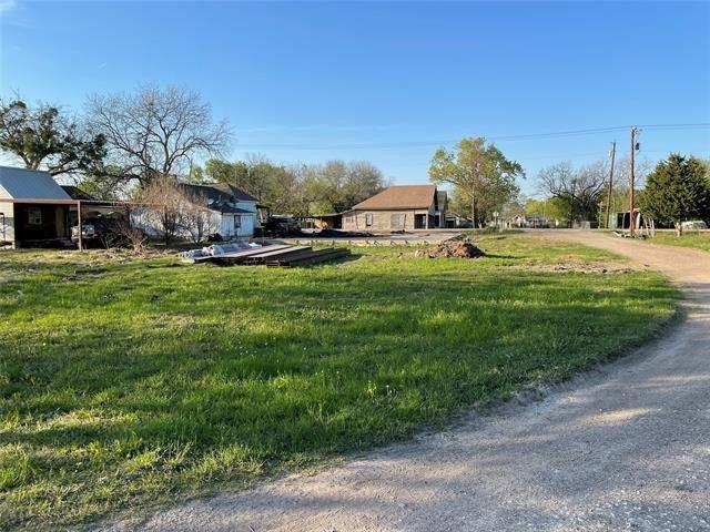 410 E Spruce St Lot 6 West, TX 76691