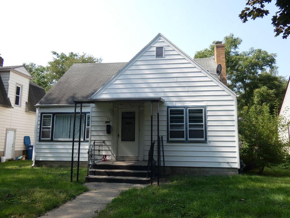 557 S Osborn Ave Kankakee, IL 60901