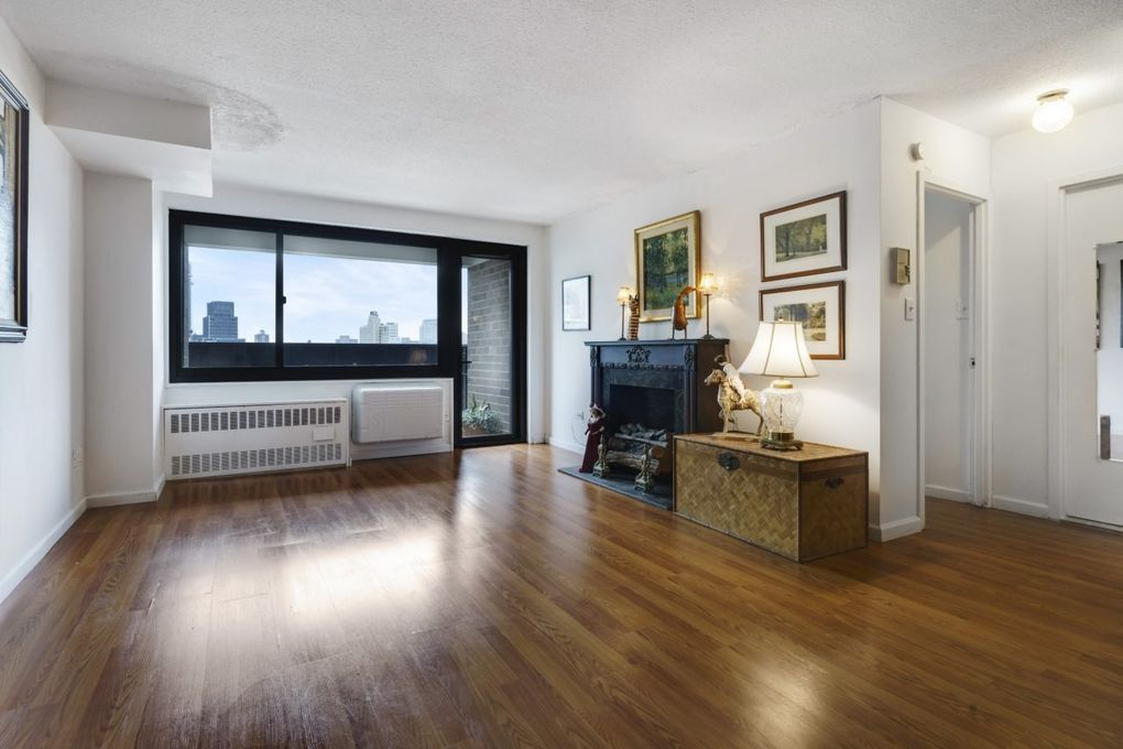 333 Pearl St Apt 27 H, Manhattan, NY 10038