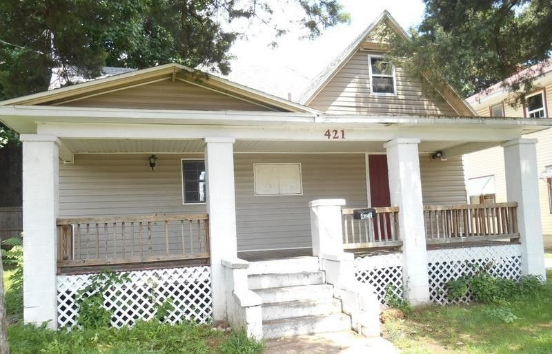 421 W State St, Springfield, MO 65806