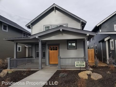 Photo of 1026 E Black Butte Ave, Sisters, OR 97759