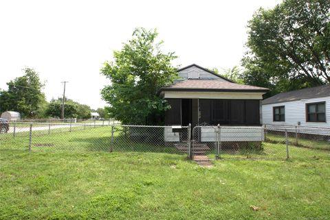 Photo of 403 S 48th West Ave, Tulsa, OK 74127