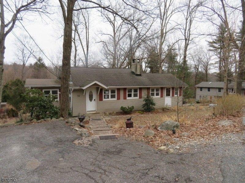 112 Birch Rd, Highland Lakes, NJ 07422