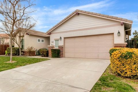 Photo of 9325 Feather Falls Ct, Elk Grove, CA 95624