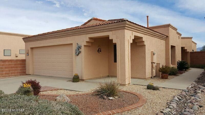 292 N Royal Bell Dr, Green Valley, AZ 85614