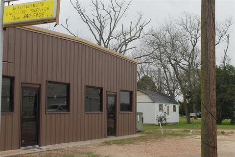 Photo of 306 N Wharton St, El Campo, TX 77437