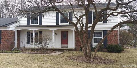 Photo of 946 E Square Lake Rd, Bloomfield Township, MI 48304