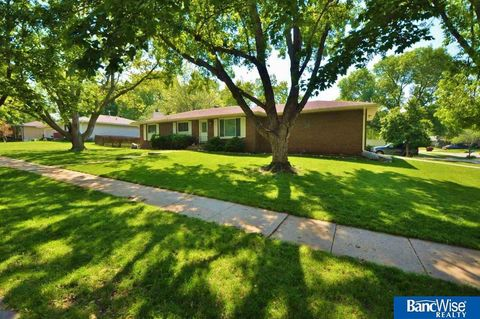 Photo of 5801 Dogwood Dr, Lincoln, NE 68516
