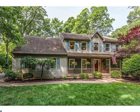 6908 Wards Ln, Center Valley, PA 18034