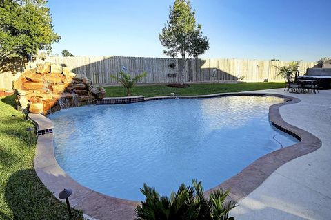 Pearland Tx Houses For Sale With Swimming Pool Realtor Com 174