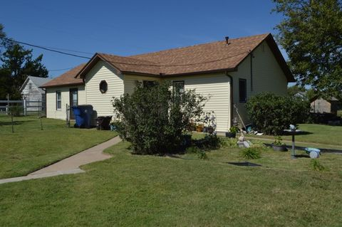 Photo of 402 Taylor St, Rolla, KS 67954