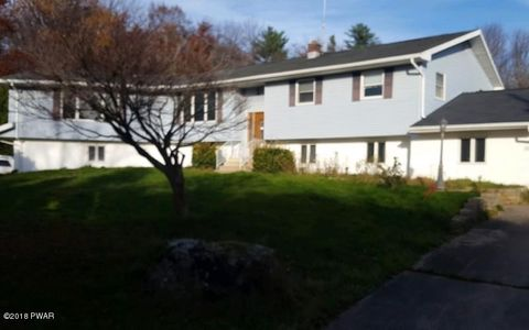 Photo of 848 Church St, Moscow, PA 18444