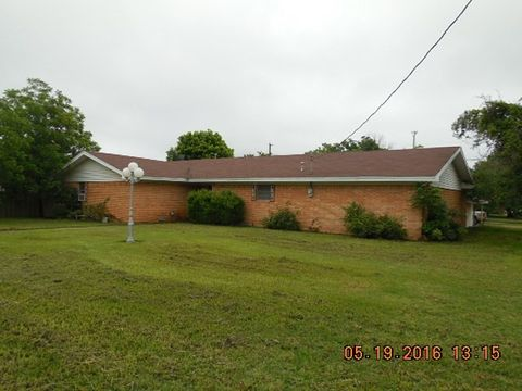 708 W Sadosa St, Eastland, TX 76448