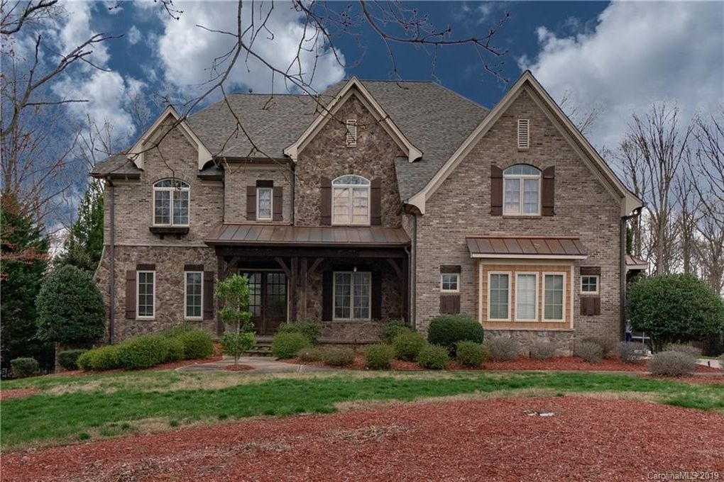 9805 Proud Clarion Ct, Waxhaw, NC 28173