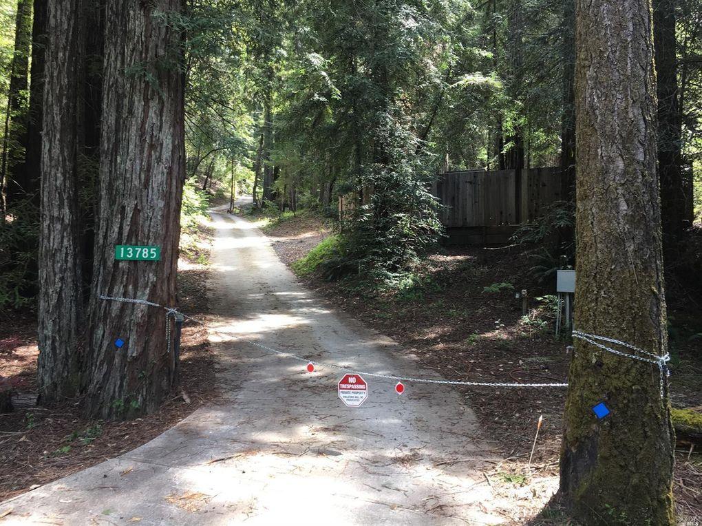 13831 Green Valley Rd, Forestville, CA 95436