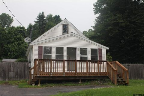170 Maple Ave, Ballston Spa, NY 12020