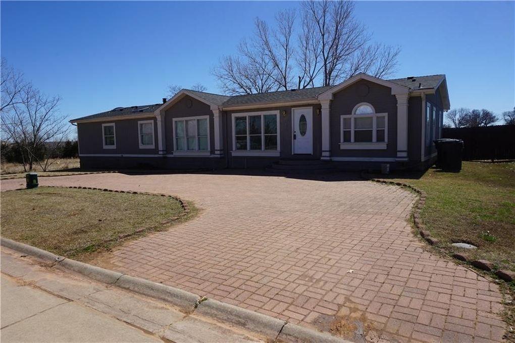12112 Woodland Hills Dr, Oklahoma City, OK 73131