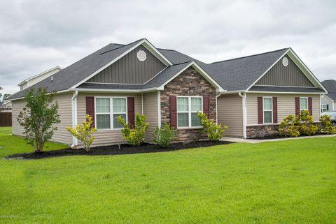 Photo of 2824 Oakwood Dr, Winterville, NC 28590