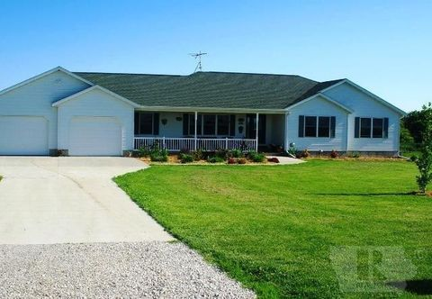 48050 337th Trl, Russell, IA 50238
