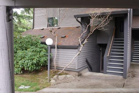 Photo of 8932 Sw Fairview Pl, Tigard, OR 97223