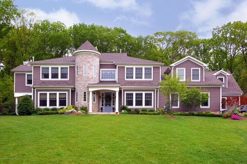 9 Withers Ln, Atlantic Highlands, NJ 07716