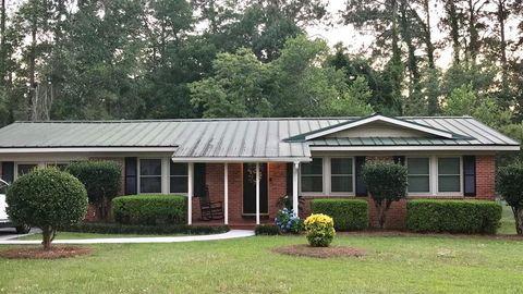 Photo of 1932 3rd St Se, Moultrie, GA 31768