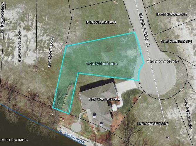 666 N Cygnet Lake Dr, Benton Harbor, MI 49022