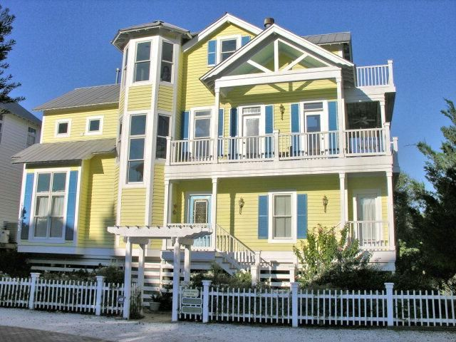 22 Coast Cottage Ln, Saint Simons Island, GA 31522