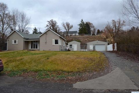 Photo of 405 S Star St, Lacrosse, WA 99143