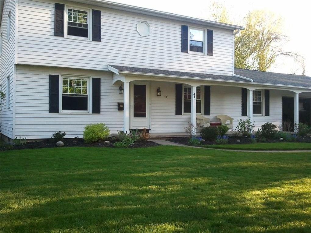 43 Hemlock Woods Ln, Rochester, NY 14615
