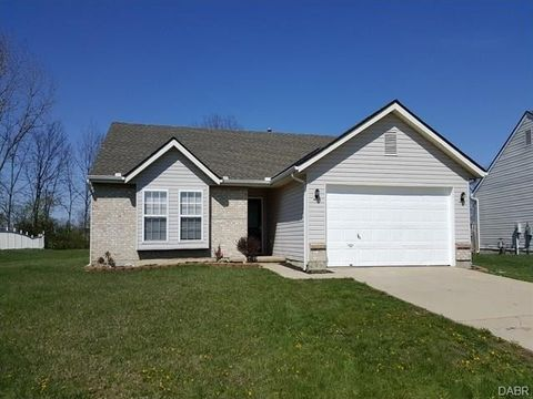 305 Windgate Ct, Englewood, OH 45315