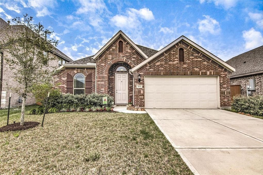 3033 Broadhaven Dr Texas City, TX 77568