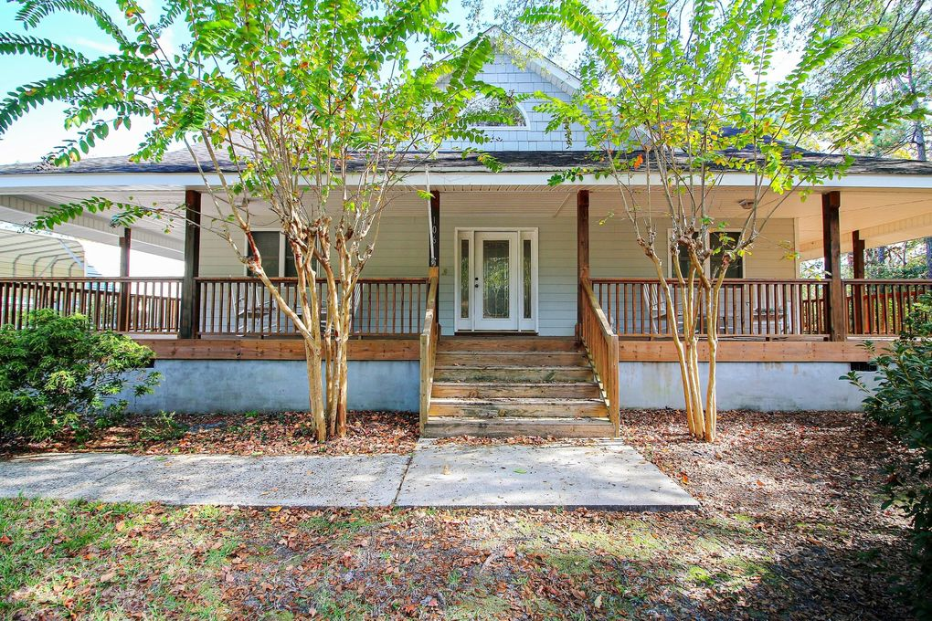 106 NW 17th St Oak Island Wooded, NC 28465