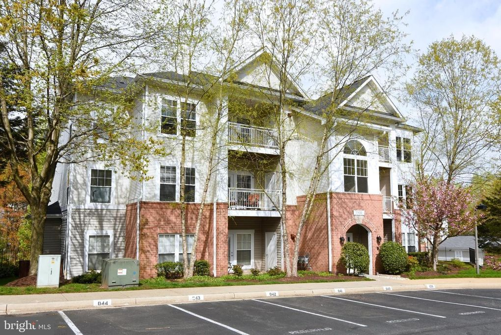 1516 North Point Dr Apt 201 Reston, VA 20194