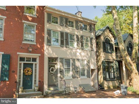 Photo of 236 Wood St, Burlington, NJ 08016