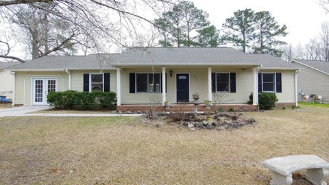 Photo of 223 Spring Dr, Jacksonville, NC 28540