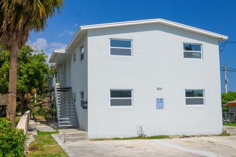 Photo of 805 19th St Apt 3, West Palm Beach, FL 33407