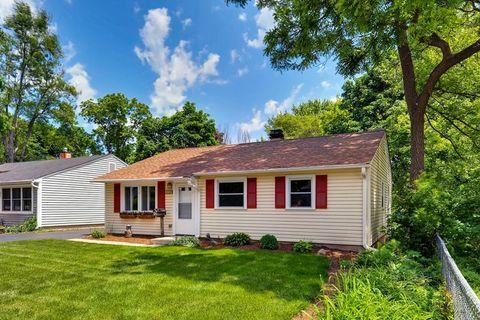 Mundelein, IL Real Estate - Mundelein Homes for Sale - realtor.com®