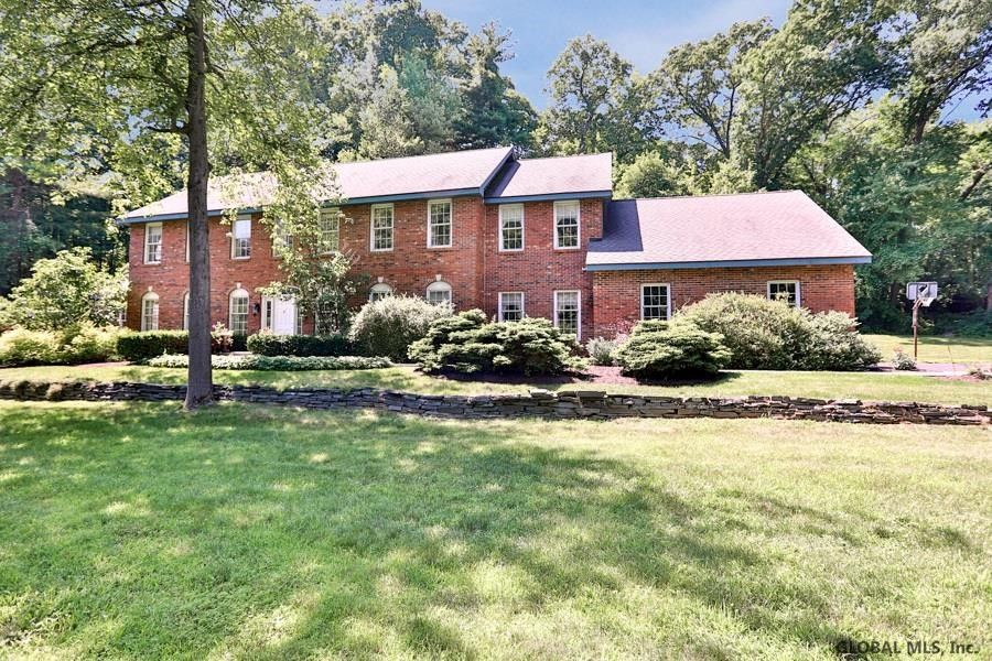3 W Cobble Hill Rd Loudonville, NY 12211