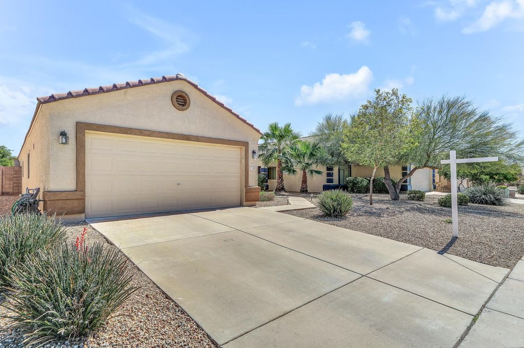 8131 N 109th Dr, Peoria, AZ 85345