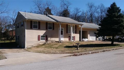 1 Crestview Dr, Rolla, MO 65401