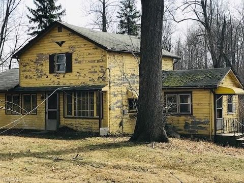 Photo of 145 E Calla Rd, Youngstown, OH 44514