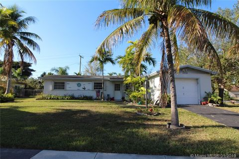19700 Whispering Pines Rd, Cutler Bay, FL 33157