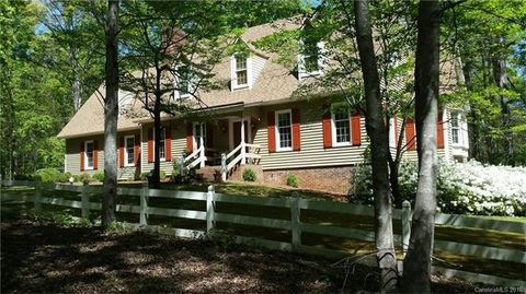 975 Stanley Lucia Rd, Mount Holly, NC 28120