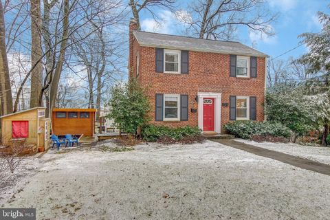 Photo of 1122 Meurilee Ln, Silver Spring, MD 20901