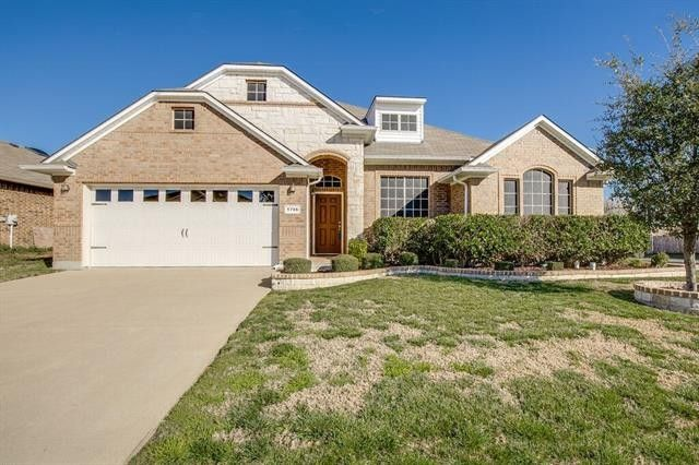 1706 Grey Willow Ln, Arlington, TX 76002