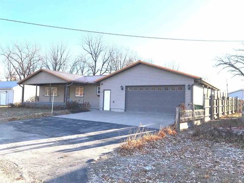 Photo of 423 N Greeley Ave, Harpers Ferry, IA 52146